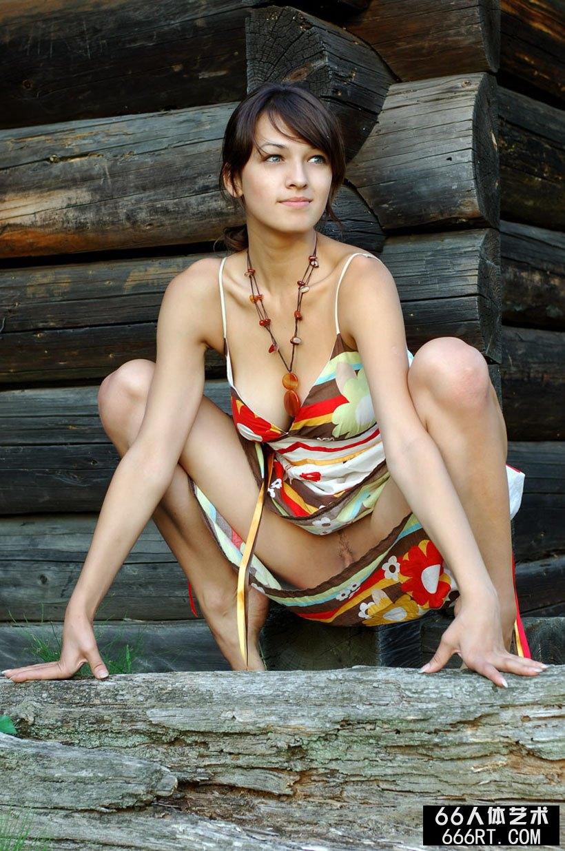 美丽法国妹子POLLINE外拍人体-2