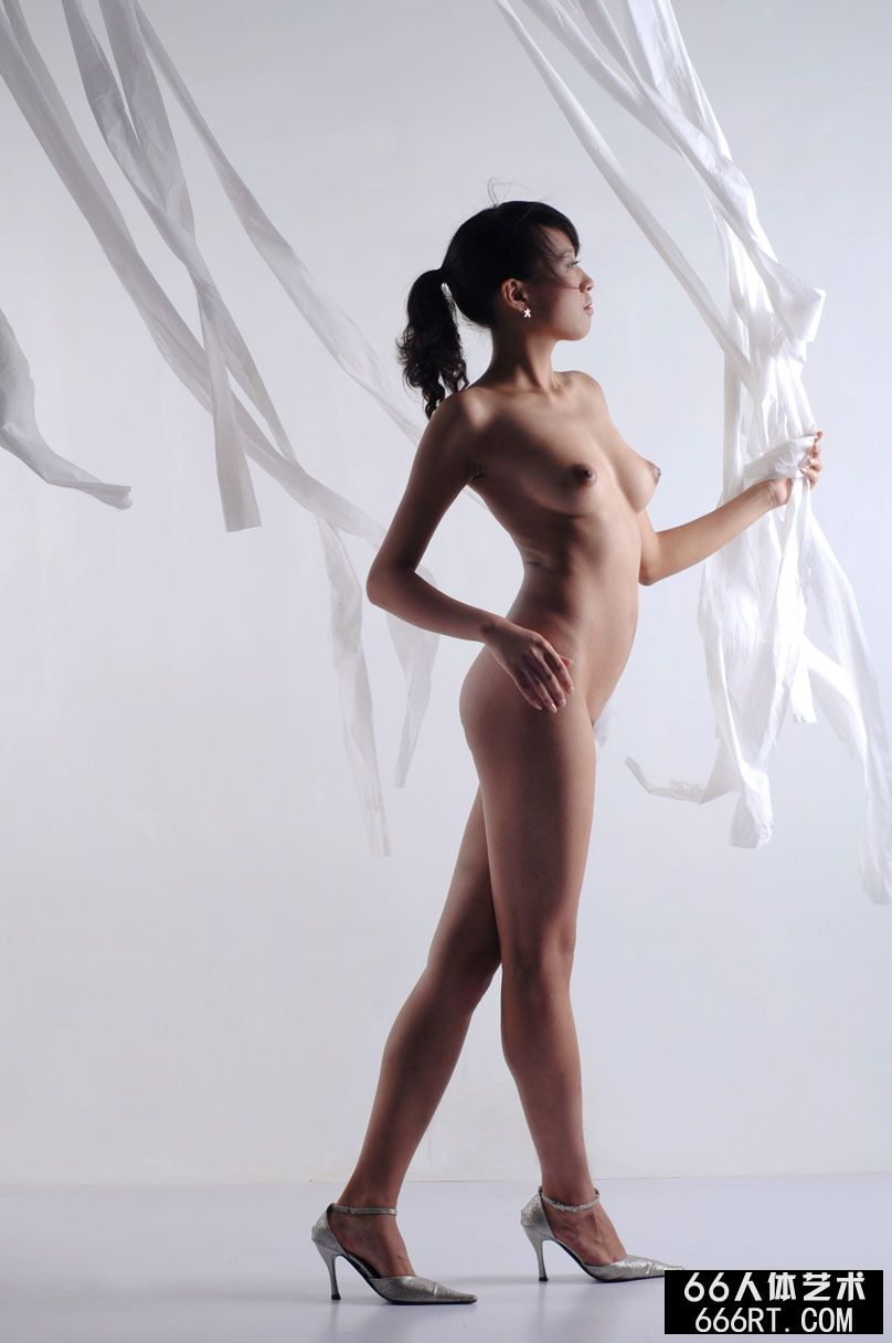 舞蹈裸模芳芳08年7月7日棚拍人体