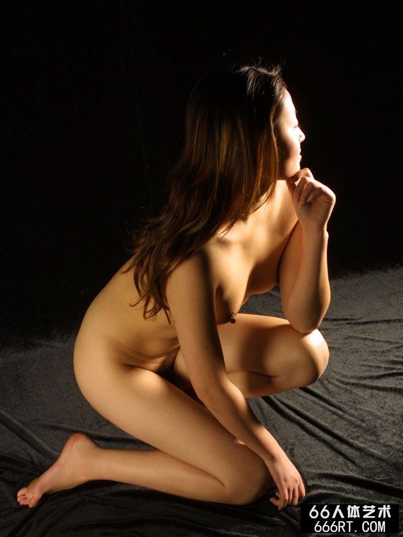裸模雨晴05年1月23日暗影室拍,gogo人体美女高清图片