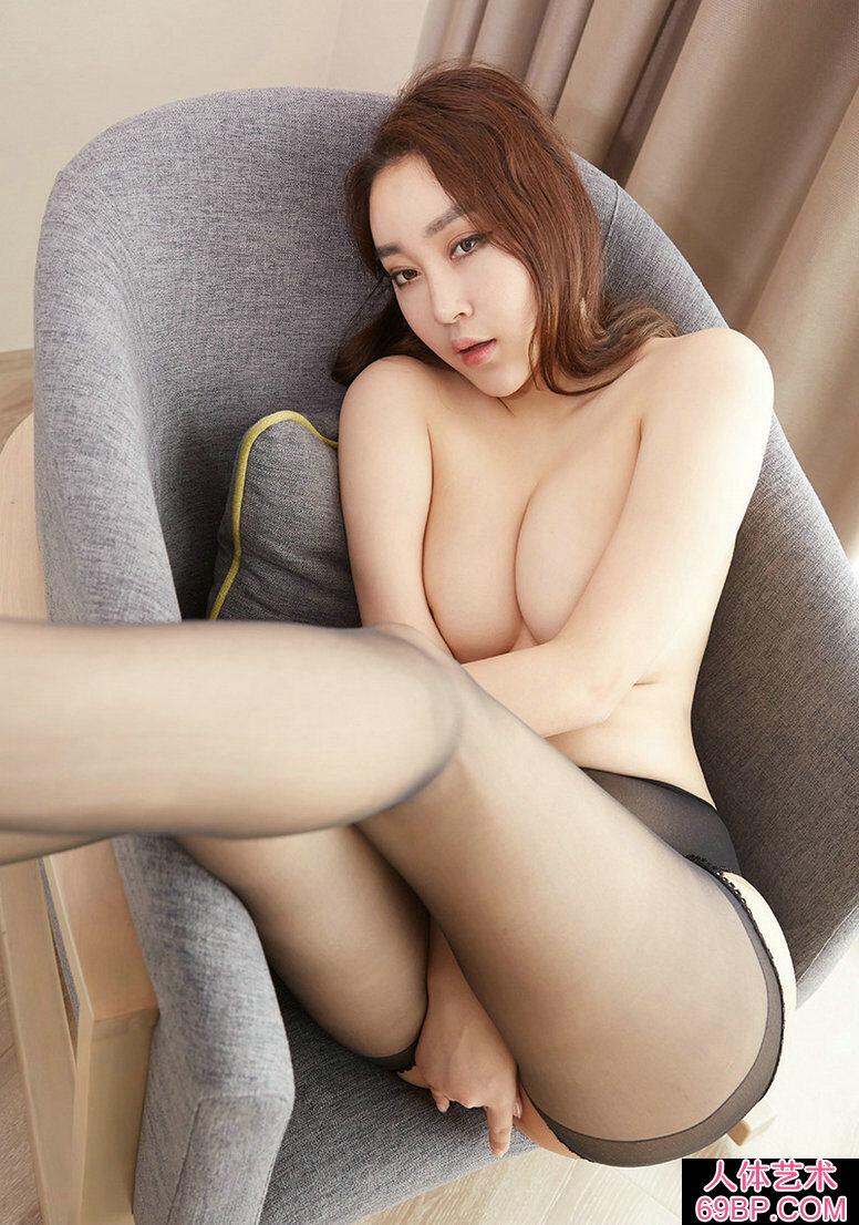 身材极好的美臀尤物韩贝贝热辣写照照