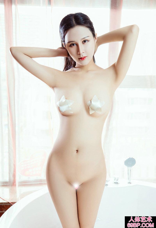 身材光洁如玉的大胸妹紫怡艳丽全果人体
